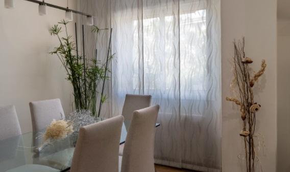 Descubre las tendencias que hay en cortinas para salón