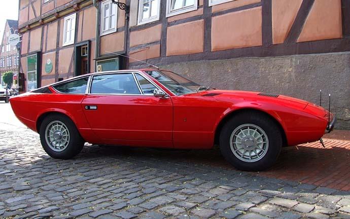 Puedes tener un coche con estilo vintage. Famosos con coches Vintage